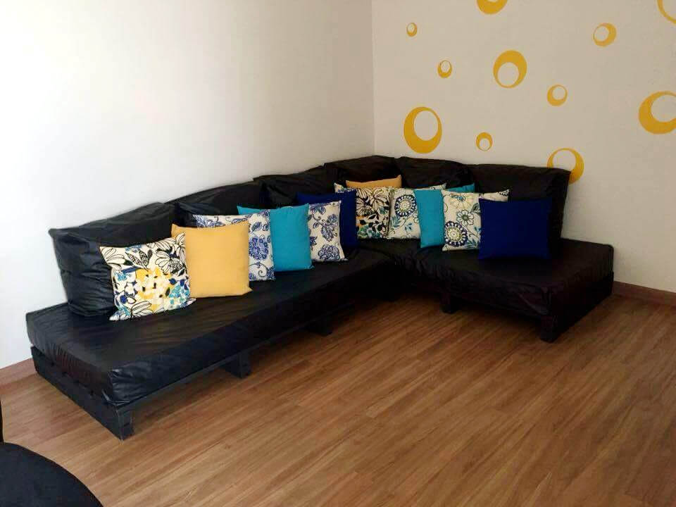 no-cost pallet sectional couch