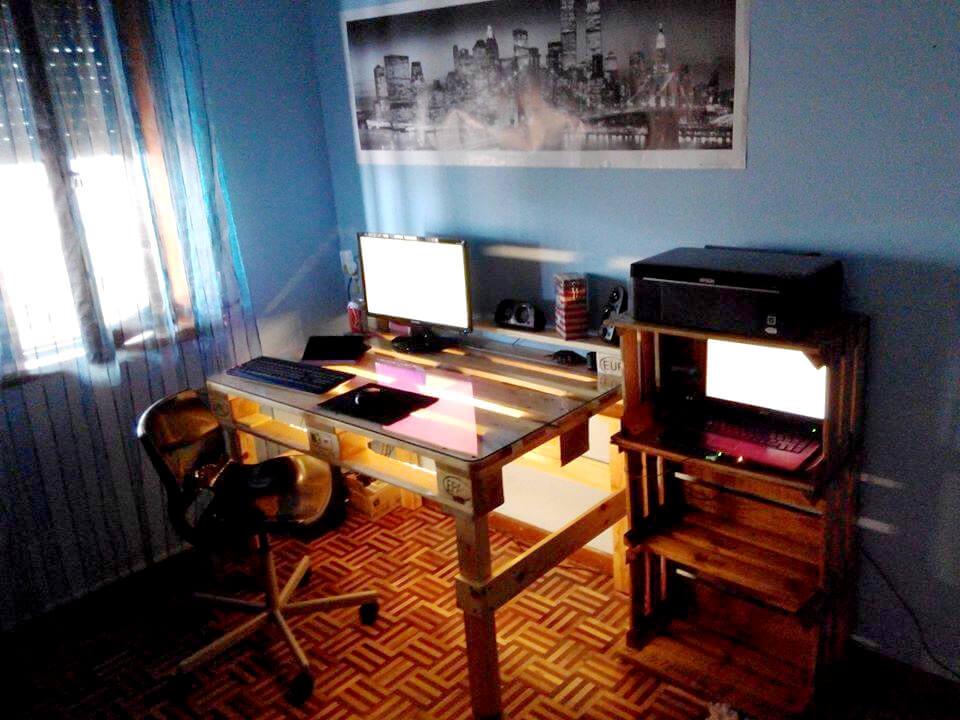reclaimed pallet modern computer desk