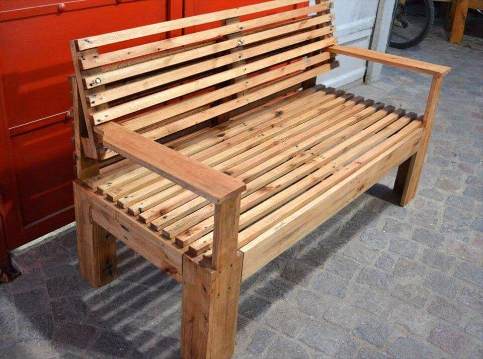 Wooden Bench Made of Pallets | 101 Pallets