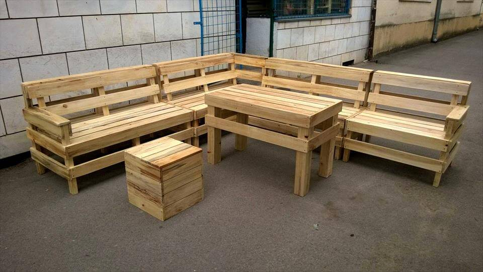 recycled pallet outdoor L-shape sofa
