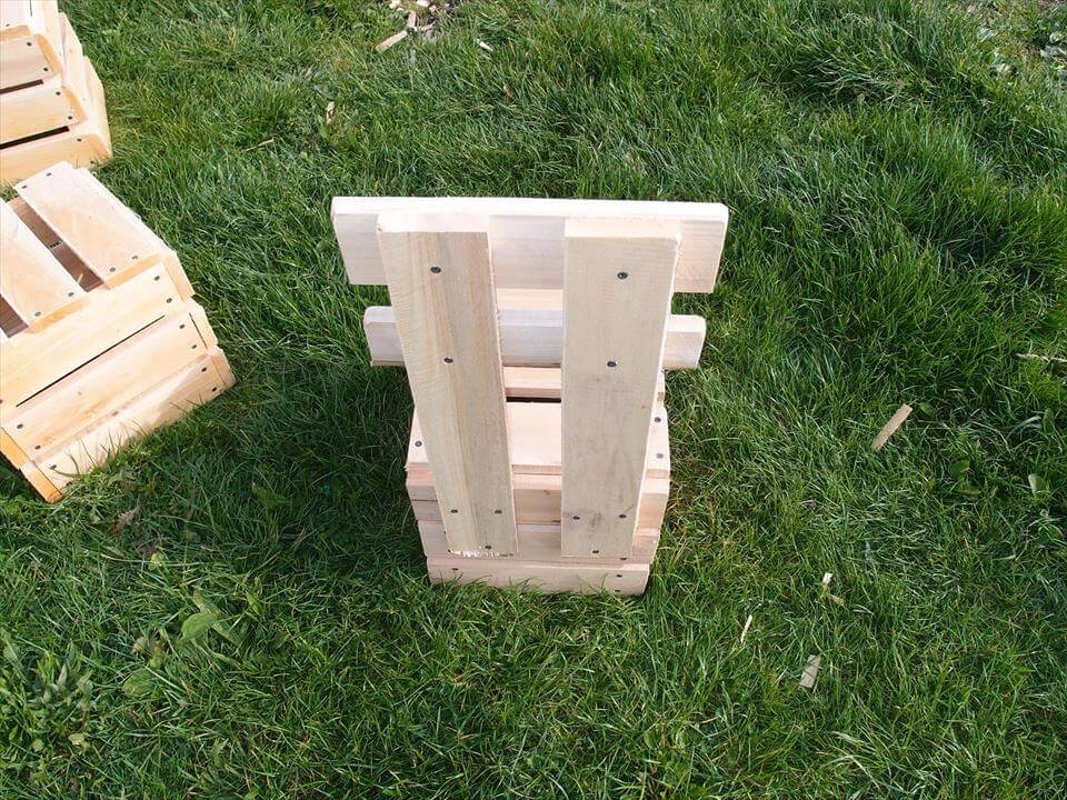 upcycled pallet garden or firepit chair set