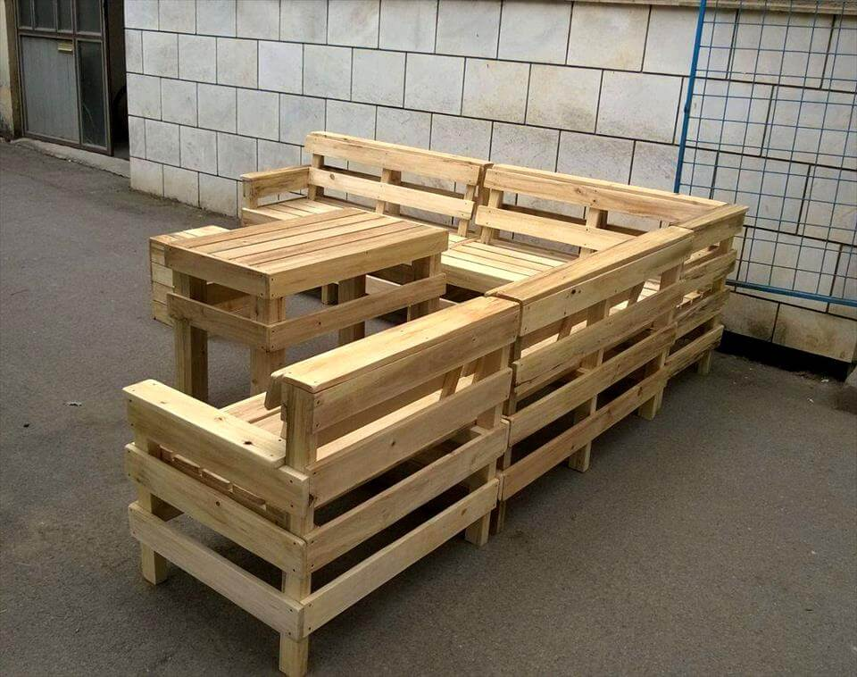 Pallet patio sectional the image kid - Sofas palets exterior ...