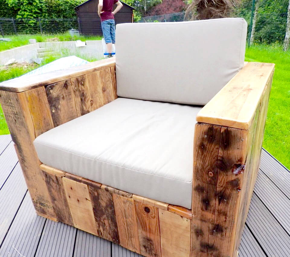 wooden pallet block style chair