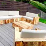 Pallet Patio Sofa Set {Build a Patio with Pallets}