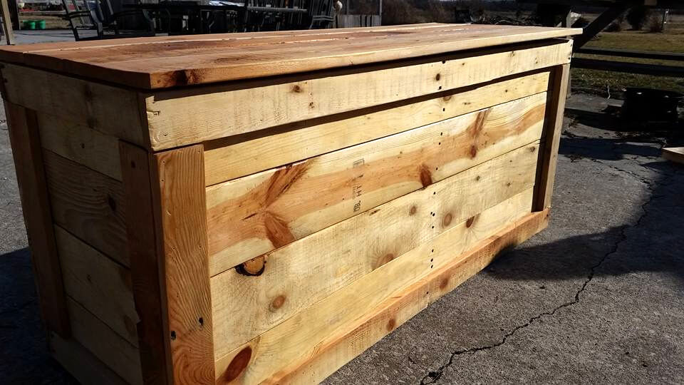 custom wooden pallet chest