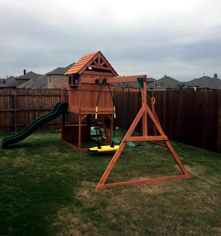 diy pallet play house