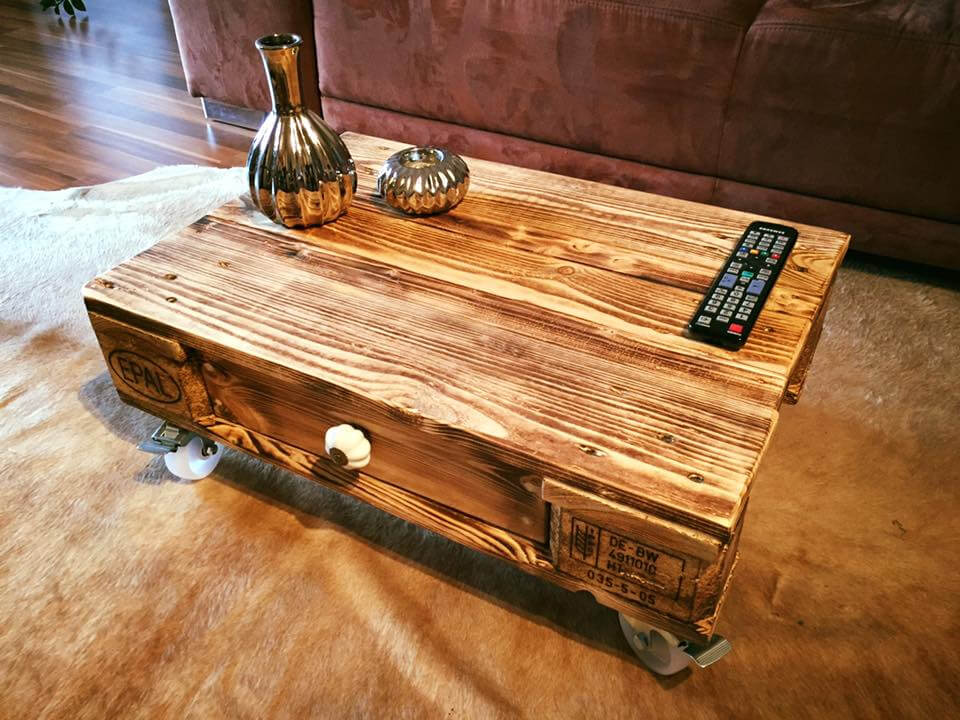 upcycled pallet coffee table with one drawer