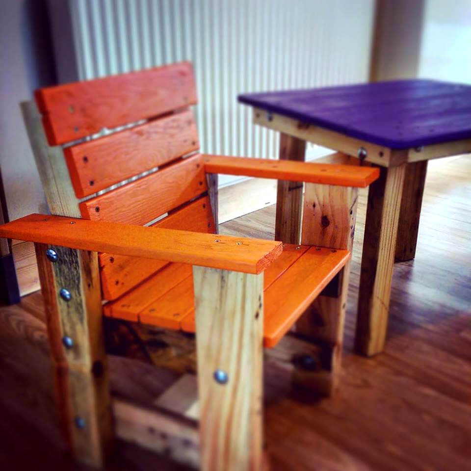 beautiful pallet kids chair