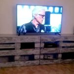DIY Pallet TV Stand or Entertainment Center