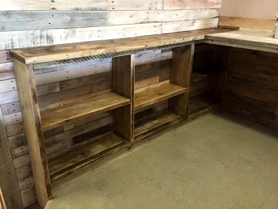 no-cost pallet bar table