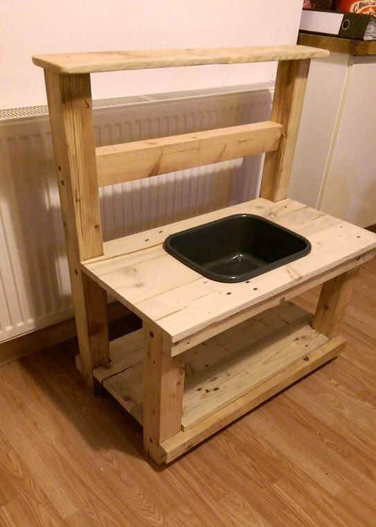 wooden pallet kids mud kitchen