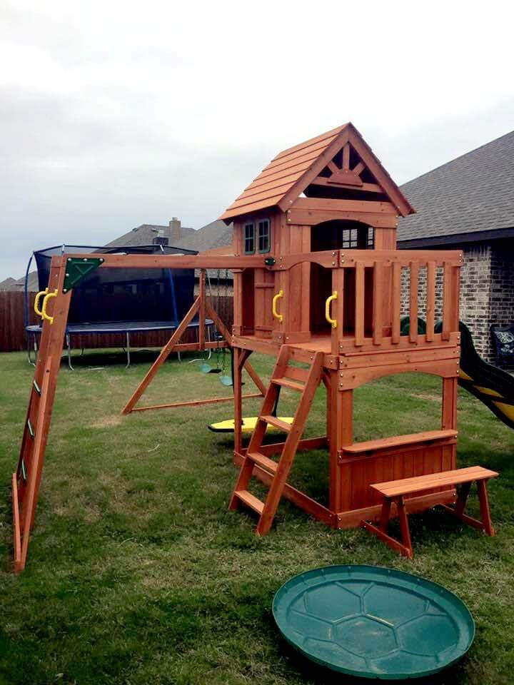 Recycled pallet kid's play house