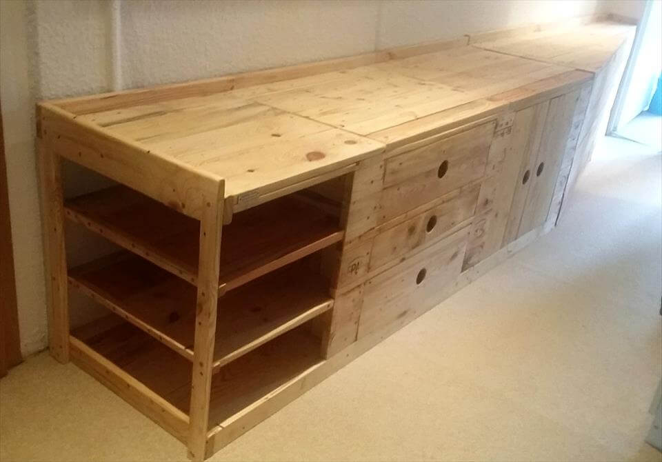 Pallet Foyer Bench : Pallet mudroom bench wall organizer pallets