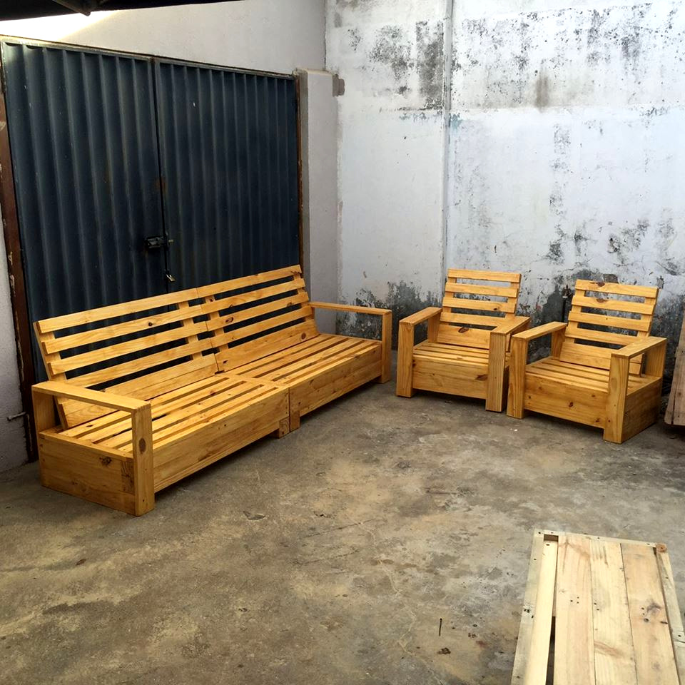 repurposed pallet furniture set 101 pallets