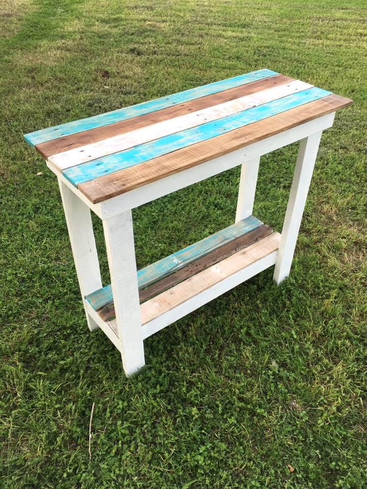 handmade wooden pallet table
