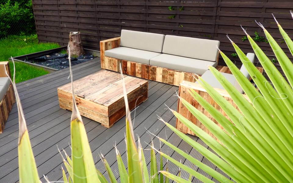 handcrafted pallet deck sitting set