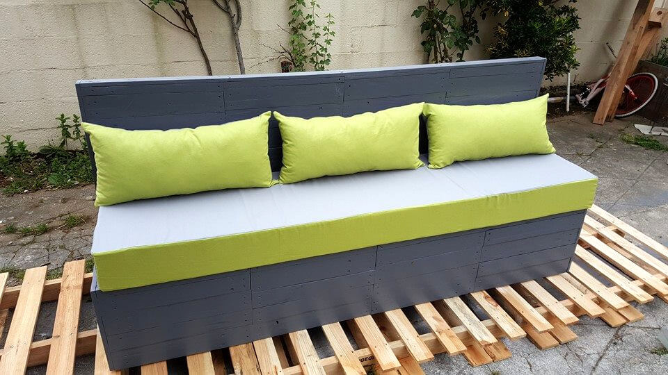 no-cost pallet outdoor 3 seater