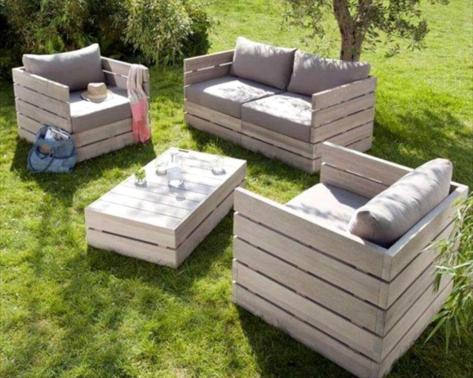 handcrafted wooden pallet block style sitting set