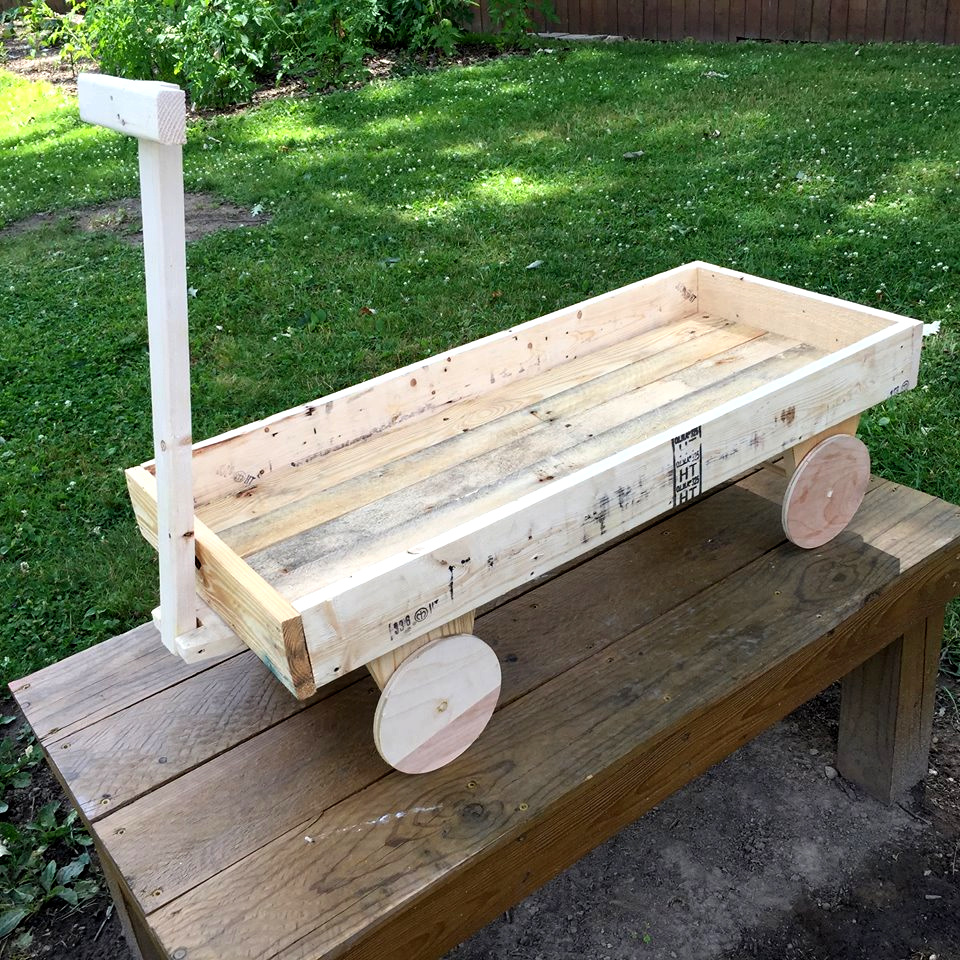 Pallet wood wagon for kids 101 pallets for Diy wagon wheel