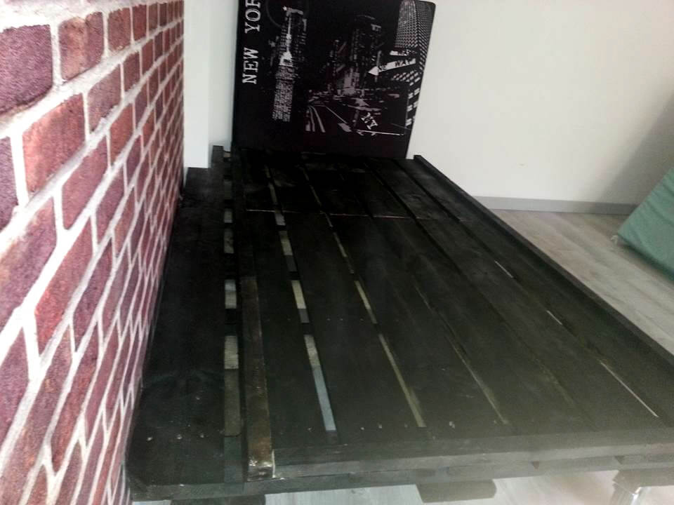 New York city pallet bed