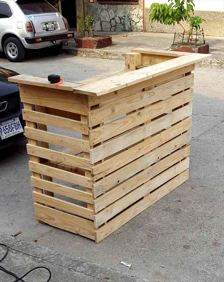 Easy projects you can do with free pallets 101 pallets - How to make table out of wood pallets ...
