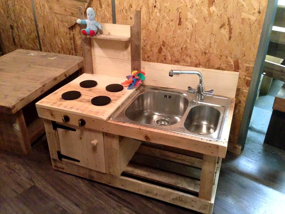 wooden pallet mud kitchen