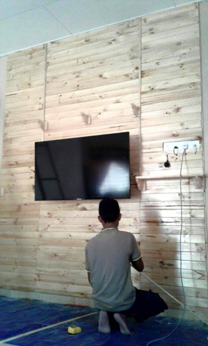 Diy Pallet Bathroom Wall Paneling: DIY Pallets Made TV Wall Paneling