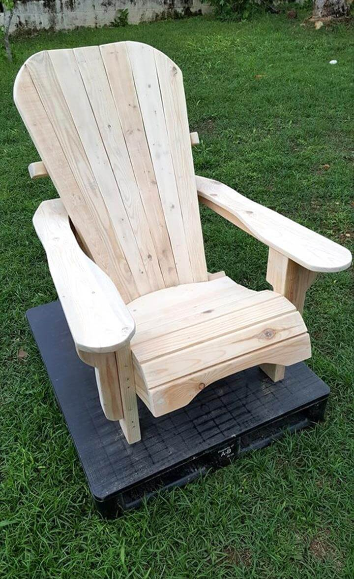 Unfinished Pallet Adirondack Chairs for Garden | 101 Pallets