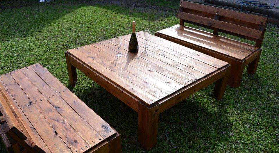 Re-purposed pallet outdoor seating set