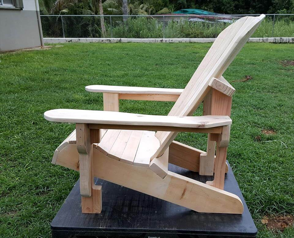Gorgeous pallet Adirondack chairs