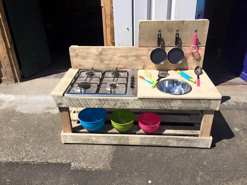 kids mud kitchen made of pallets