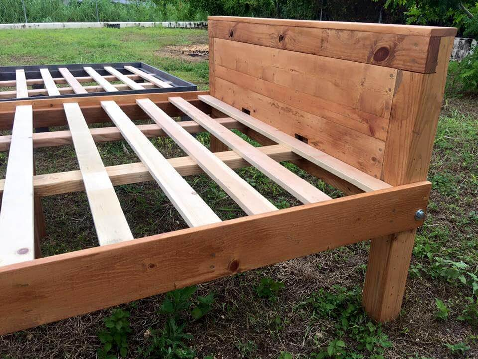 Queen Size Wooden Pallet Bed Frames 101 Pallets