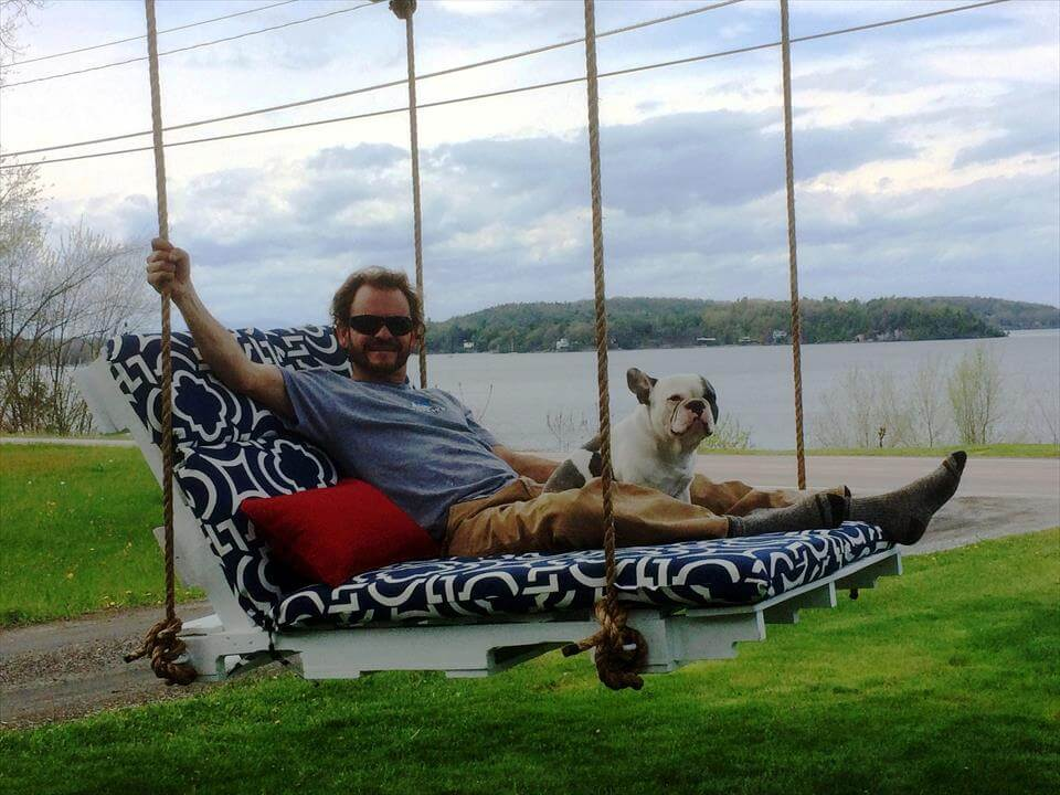 pallet cushioned lounge swing