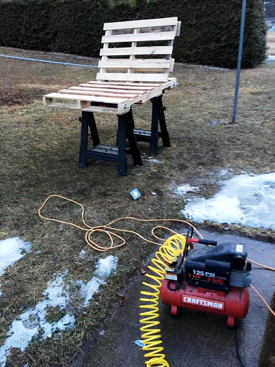 pallet-made L-shape swing seat