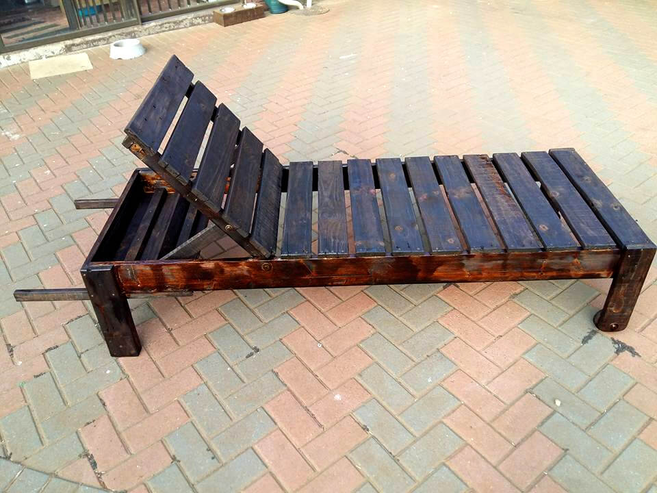 repurposed wooden pallet outdoor lounger