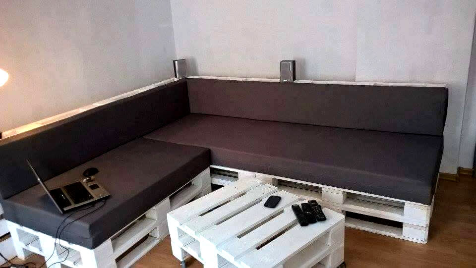 no-cost pallet sectional sitting set
