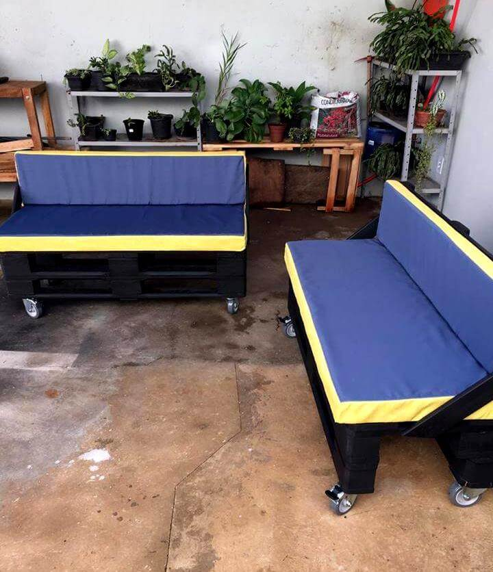 Handmade pallet sofa on wheels