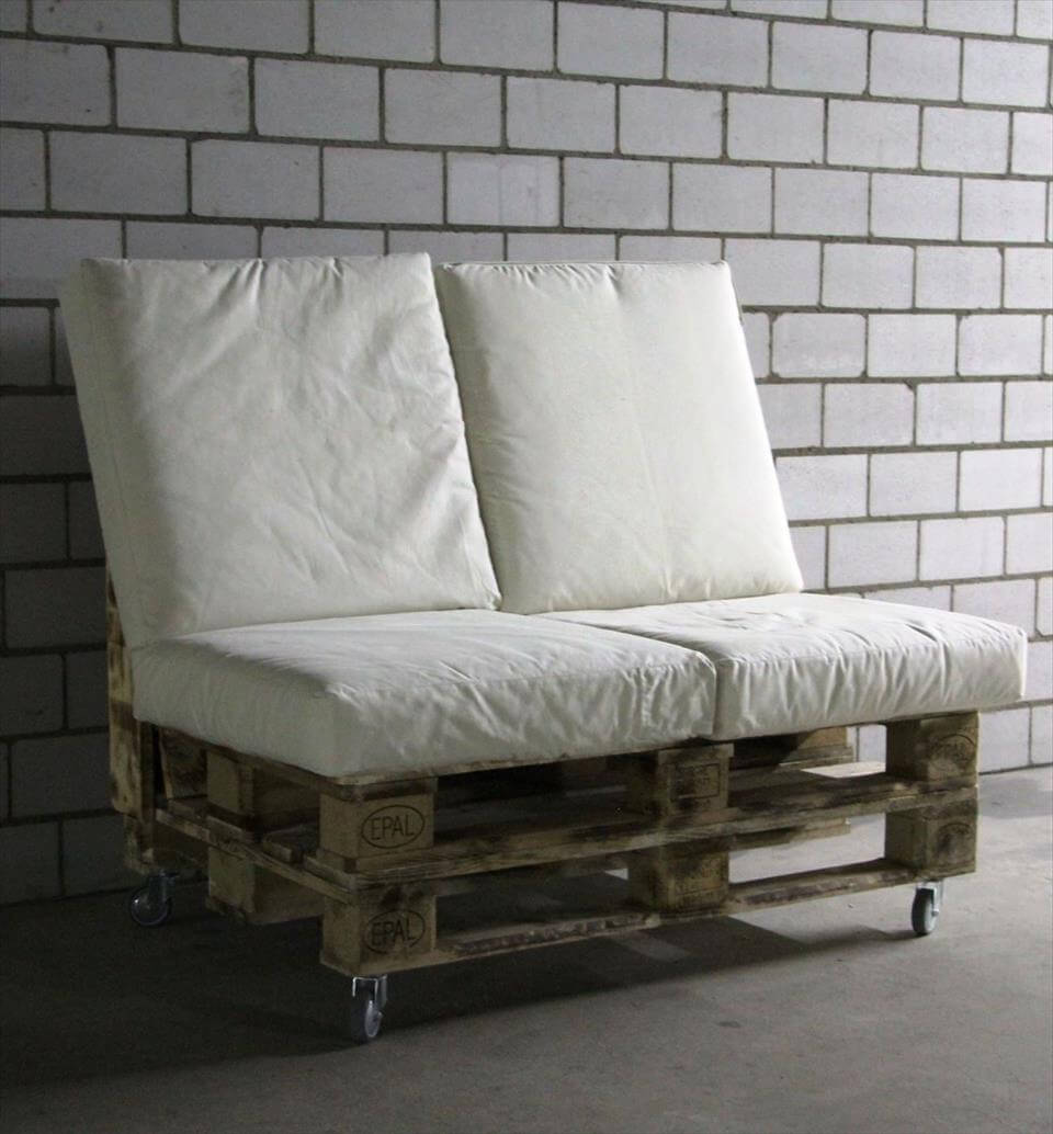 low-cost wooden pallet bench on wheels