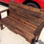 Outdoor Pallet Bench for Garden