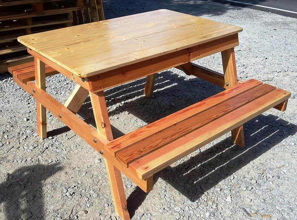 reclaimed wooden pallet picnic table