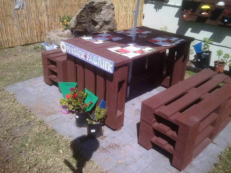 reclaimed pallet table with matching benches